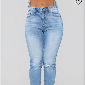 Fashion Nova Boyfriend/Mom Jeans